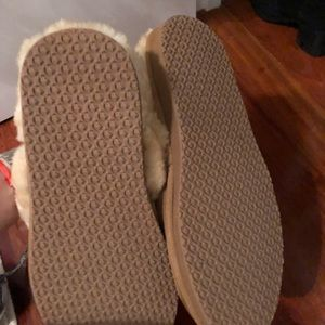 L.L. Bean Shoes - LL BEAN slippers. Size 8. Never worn outside.